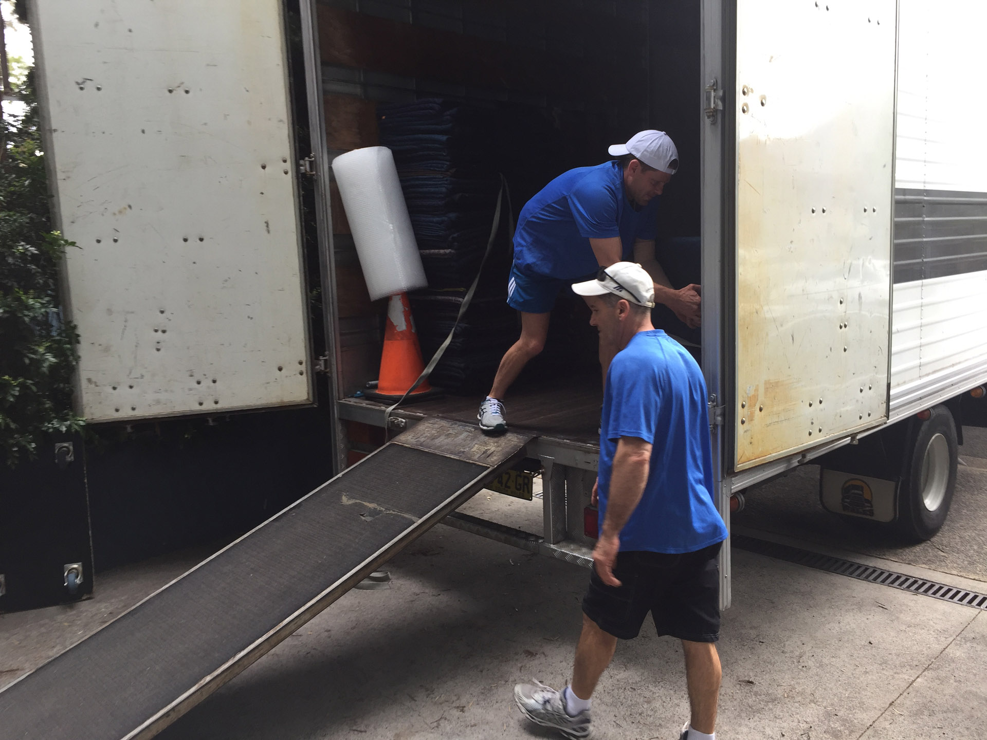 17 Office Furniture Removalists Sydney